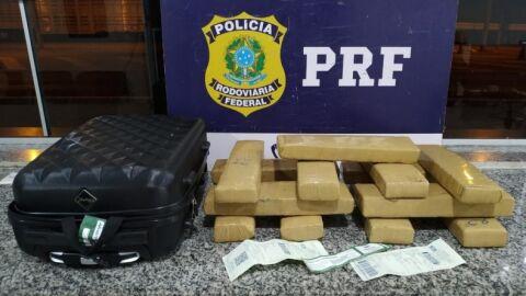 Adolescente é preso em ônibus levando maconha para Cuiabá