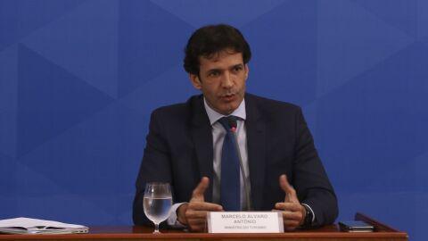 Ministro do Turismo está com Covid-19