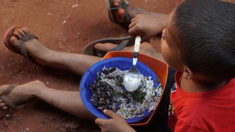 Fome aumenta 43,7% em 5 anos e Brasil tem 1ª piora em segurança alimentar, diz IBGE