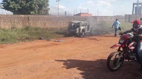 Três carros de luxo foram incendiados no Paraguai