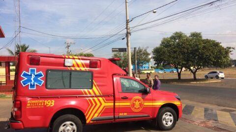 Bombeiros socorrem homem ferido por disaparo de arma de fogo no Tijuca
