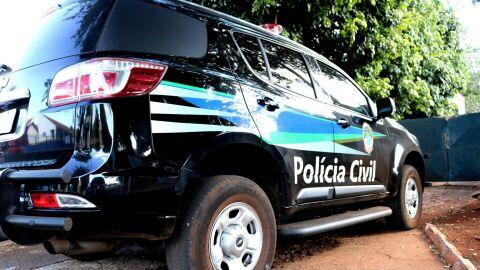 Polícia Civil prende três pessoas por diversos crimes e apreende drogas, dinheiro e uma arma