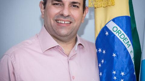 Bolsonaro nomeia Turine para Reitor na UFMS de 2020 a 2024