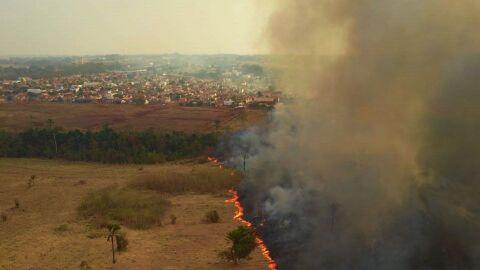 Parlamentares visitam áreas destruídas pelo fogo no Pantanal