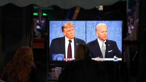 Interrompido por desrespeito de Trump, Biden reage: 'Você vai calar a boca'