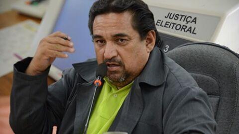 Além de concorrência pulverizada, prefeito enfrenta novas denúncias na campanha