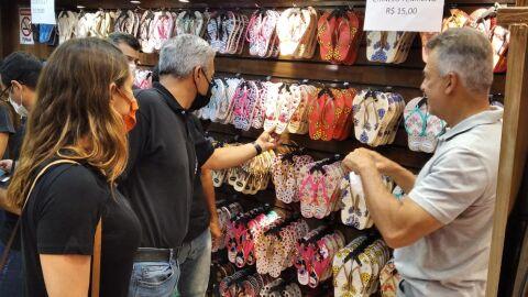 Em ação conjunta Procon Estadual autuou várias lojas de importados