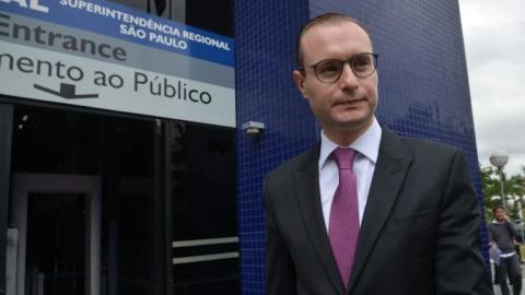 Jornal bolsonarista cria fake news sobre valores em contas do advogado de Lula