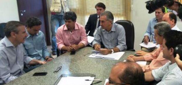 Reinaldo e deputados discutem composição da Mesa Diretora da Assembleia