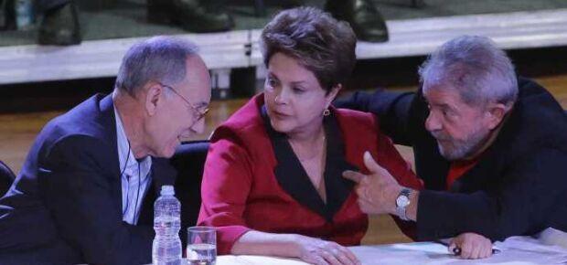 Rui Falcão, Dilma Rousseff e Lula. O PT parte para o ataque