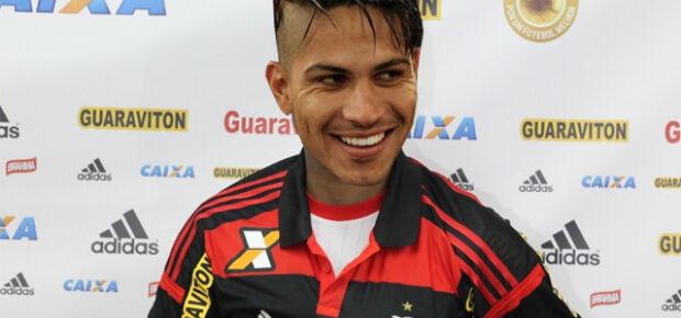 Fla confirma contratação de Guerrero. Atacante receberá R$ 30 mi em 3 anos