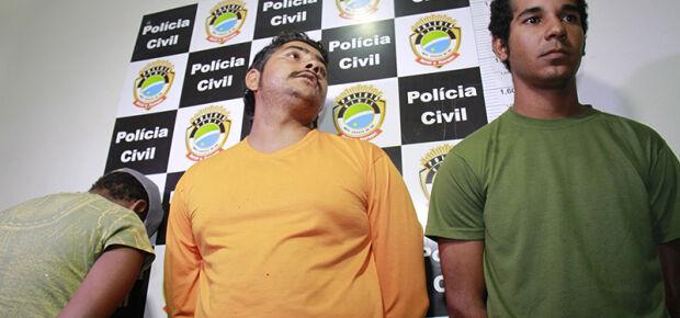 Trio acusado de latrocínio de churrasqueiro levaram R$ 10 e celular da vítima