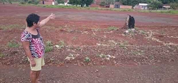 Dona de casa pede construção de creche em área desocupada