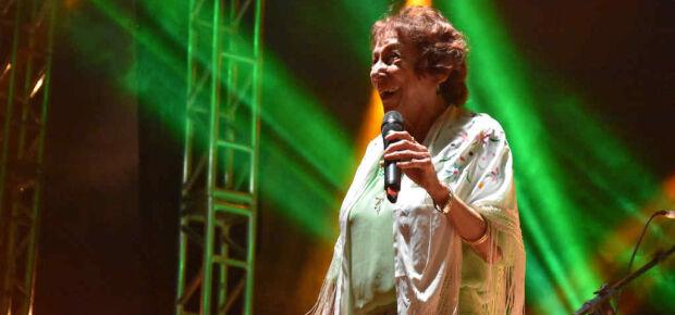 A cantora Delinha recebu homenagem na abertura do evento. Foto: Jessica Barbosa