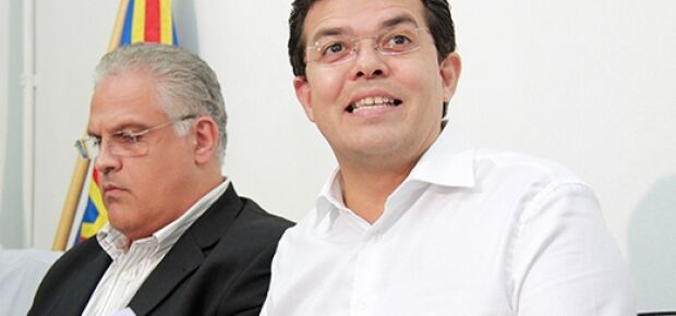André Scaff, secretário de Finanças e o prefeito Gilmar Olarte.