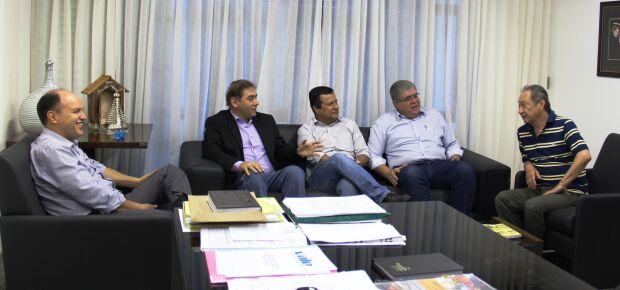 Junior Mochi, Alcides Bernal, Amarildo Cruz, Carlos Marun e George Takimoto.