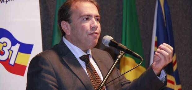 Eduardo Machado.