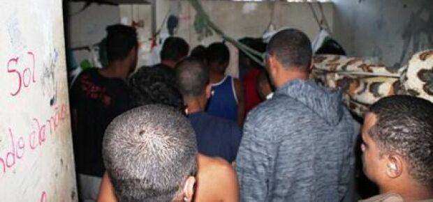 Superlotação na cela da delegacia de Chapadão do Sul em Janeiro deste ano/Foto Arquivo