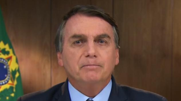 Dona de casa vai à Justiça cobrar auxílio emergencial de US$ 1 mil, citado por Bolsonaro