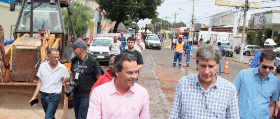 Prefeitura inicia recapeamento da Avenida Bandeirantes, com investimento de R$ 8,7 milhões