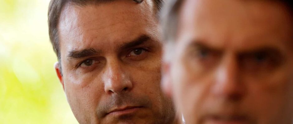 No Senado, Flávio destoa do discurso 'bolsonarista'