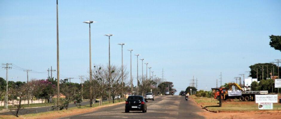 Prefeitura pavimenta, investe mais de R$ 4 milhões em avenida e abre nova licitação