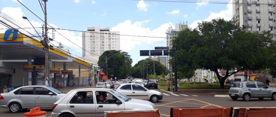 Atenção: conversão na Avenida Afonso Pena com a Rua 14 de Julho está proibida