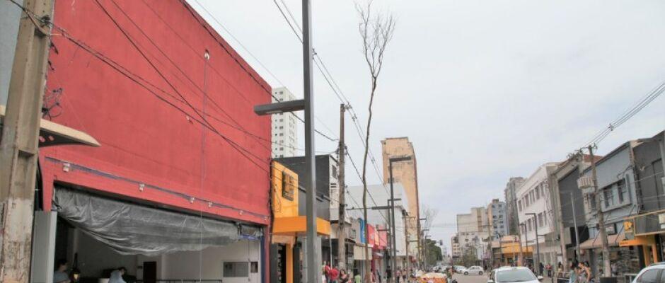 Além da prefeitura, empresários correm para terminar obras na 14 de Julho