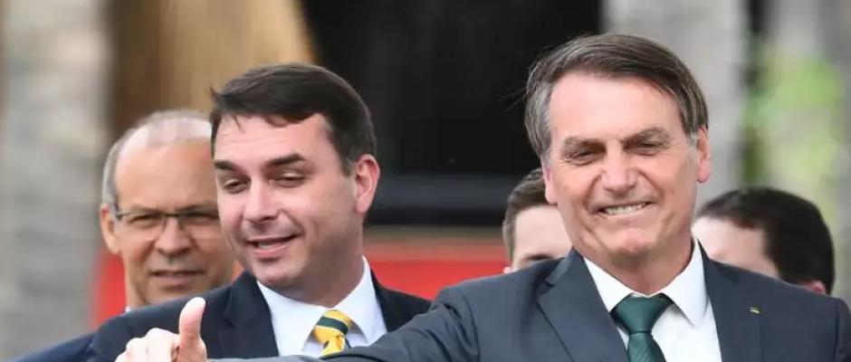 Se caso Queiroz chegar a Bolsonaro, investigação será 'congelada'