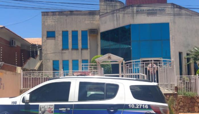 Escritório de advocacia onde ocorreram os disparos nesta manhã de 2ª-feira