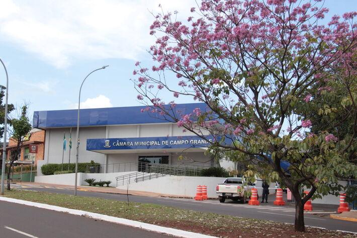 A fachada da Câmara Municipal de Campo Grande