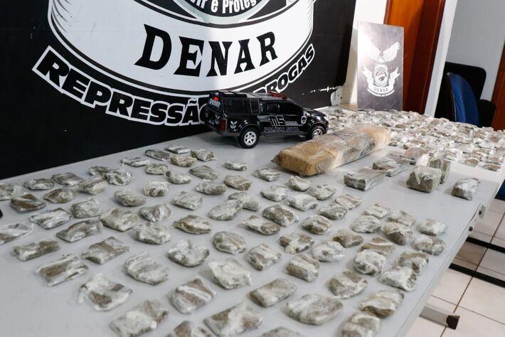 Drogas apreendidas apresentadas à imprensa nesta manhã (10.nov.2020)