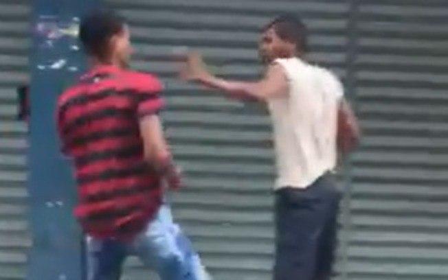 Jovem bate em morador de rua sem motivos