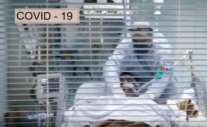 Paciente com Covid-19 na UTI de hospital em Porto Alegre (RS)