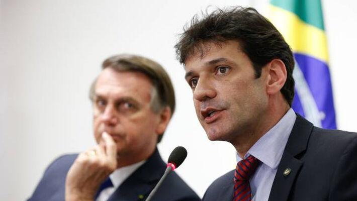 Marcelo Álvaro, agora ex-ministro do Turismo no Brasil
