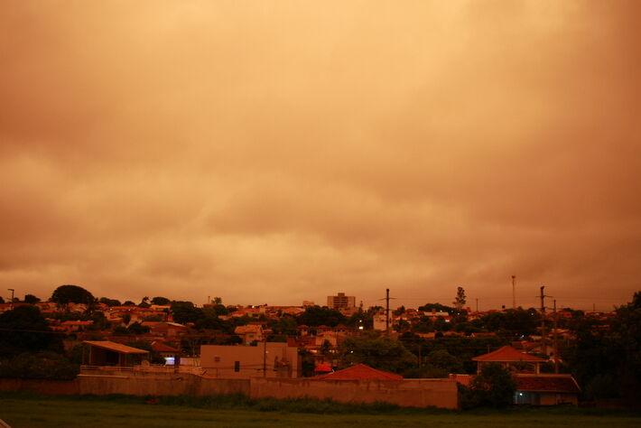 Céu em Campo Grande em final de tarde