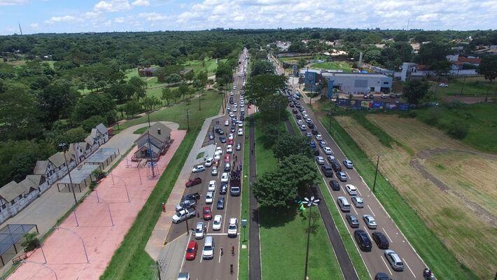 Imagem do alto levou organização a estimar 2 mil veículos