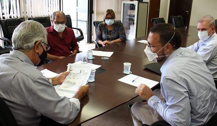 Governador reuni-se na tarde de ontem (12.jan) com pesquisadores da Fiocruz e garantiu recursos para obra.