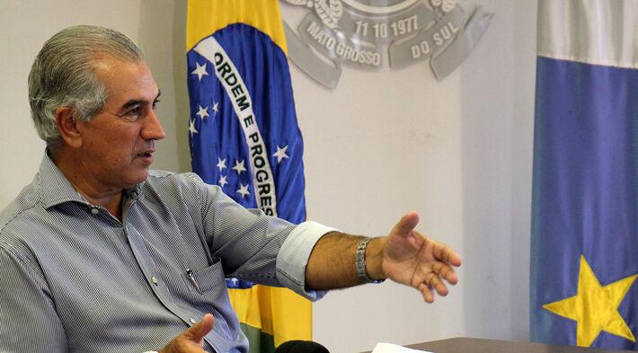 Reinaldo Azambuja lança R$ 376 milhões para pavimentação e restauração de 296 km de estradas