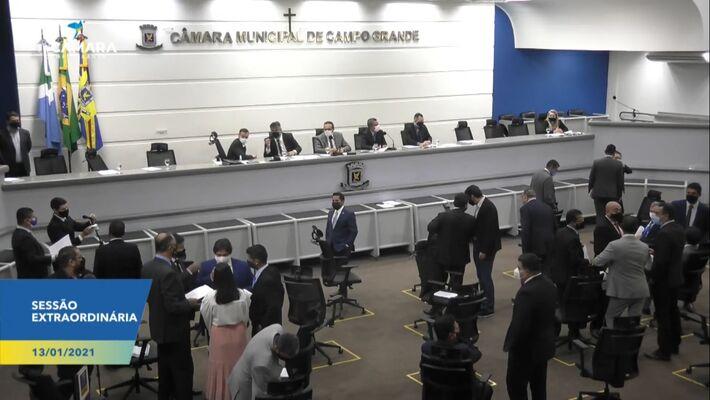 Vereadores aprovaram de forma unânime, com 24 votos, projeto de lei que garante compra de vacina aprovada pela Anvisa