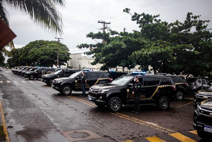 Viaturas foram expostas à imprensa na manhã de hoje em frente a sede da PF na Capital