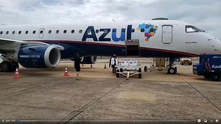 Azul, fretou voo comercial para transporte das vacinas