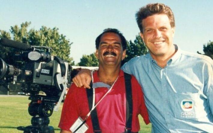 Cleber Schettini e Pedro Bial durante cobertura esportiva para a Globo; cinegrafista processou a emissora