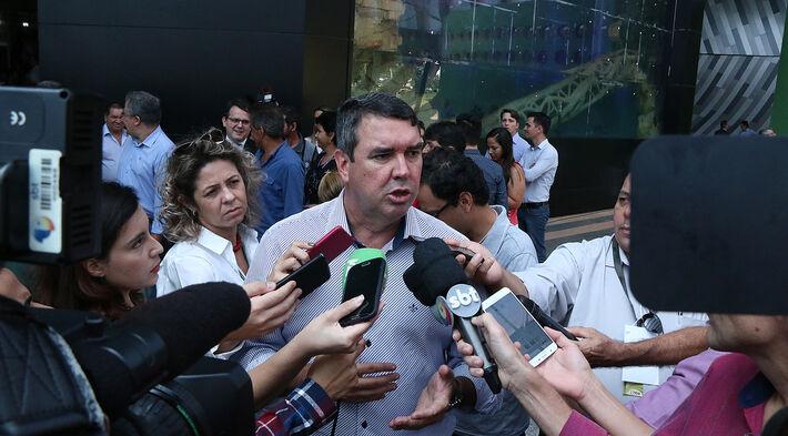 Eduardo Riedel, no interior do Aquário do Pantanal, durante evento de retomada da obra em 2018