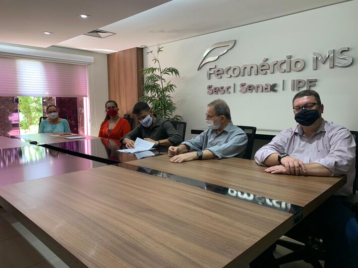 Assinatura convênio Fundtur; gestores da Fecomércio e FundTur