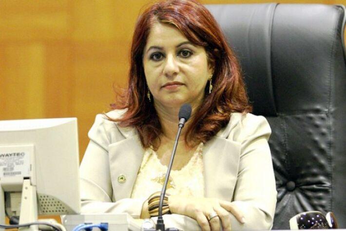 Chica Nunes e ex-servidores da Câmara terão que devolver recursos desviados