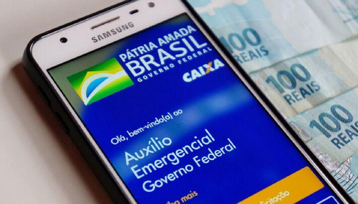 Sinal positivo para retomada do auxílio veio após reunião com o novo presidente da Câmara, apoiado pelo Palácio do Planalto.