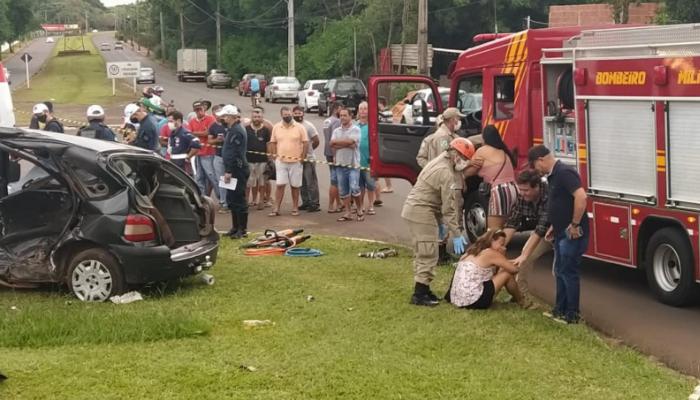 Filha de uma das vítimas inconsolável no local do acidente na Avenida Guaicurus nessa manhã