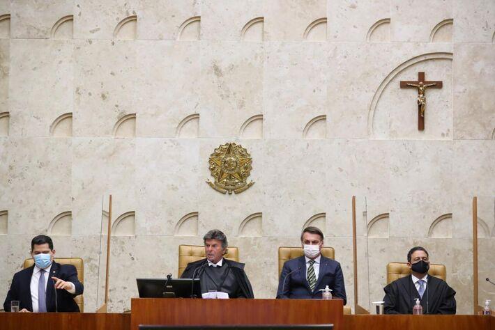 O Presidente Jair Bolsonaro participou, na manhã desta segunda-feira (1), da solenidade de abertura do Ano Judiciário 2021. O evento aconteceu no Supremo Tribunal Federal (STF).