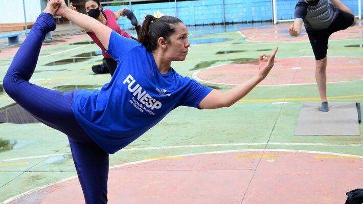 Aulas de Yoga são na 3ª e 5ª feira, às 15h, no Parque Jacques da Luz e Centro Municipal de Treinamento Esportivo, no Carandá Bosque.